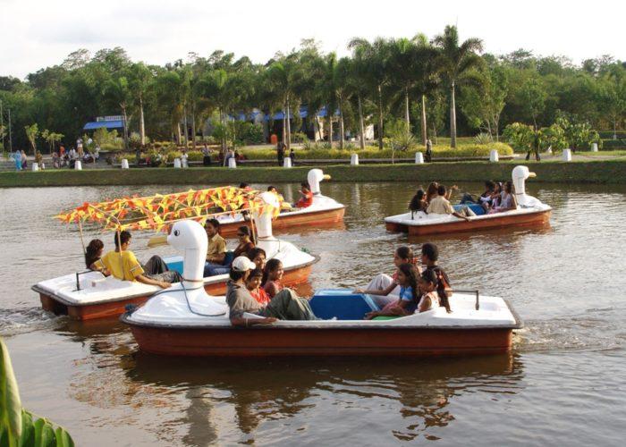 Leisure Travel Vans For Rent >> LeisureWorld Water Park – aquapark on map   Sri Lanka Finder