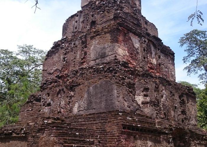 Small stupa Polonnaruwa