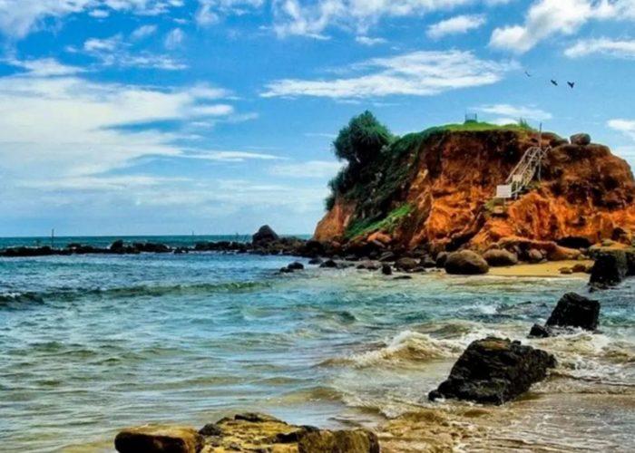 Parrot Rock Mirissa