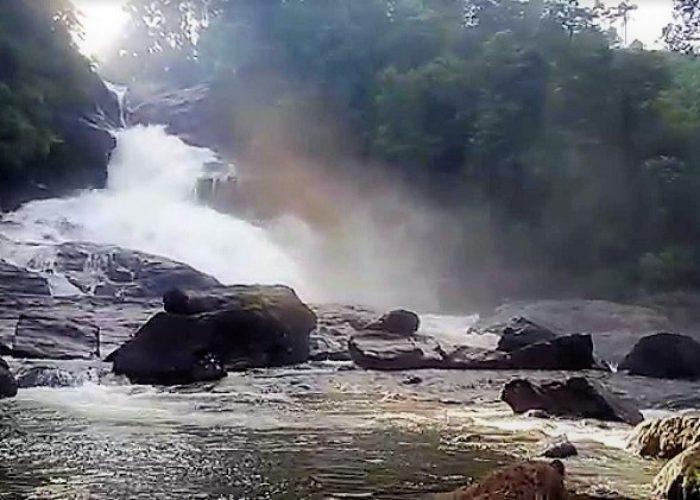 Bopath Ella 1 Waterfall