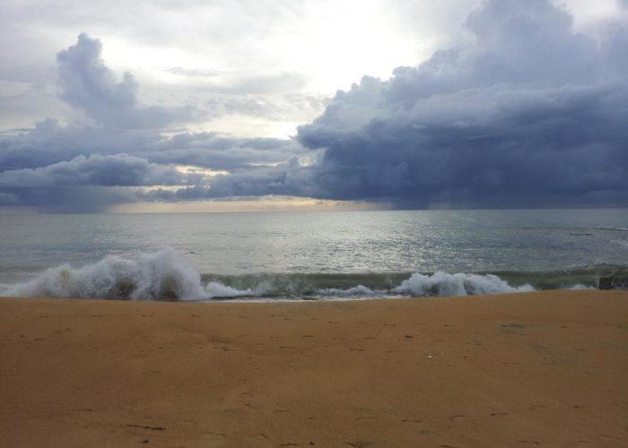 Marawila-beach-sri-lanka