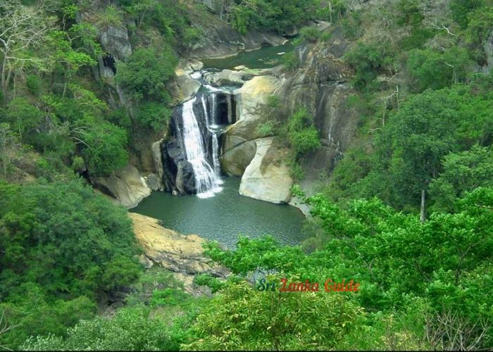 dunhinda-waterfall