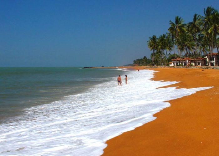 waikkal-beach-srilanka