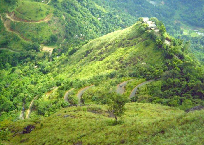 Ambuluwawa road temple Buddha