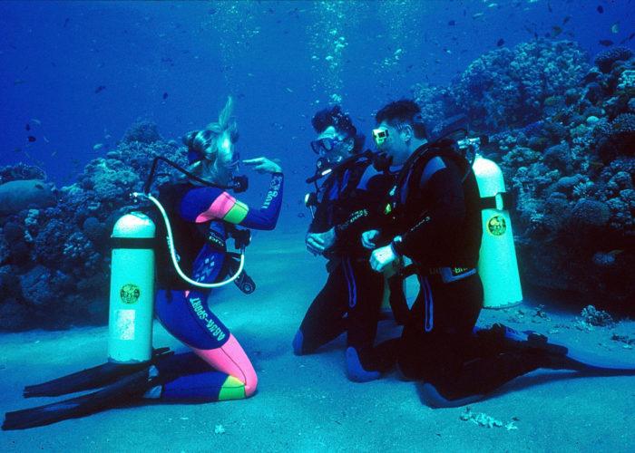 Blue Deep Diving Centre 11