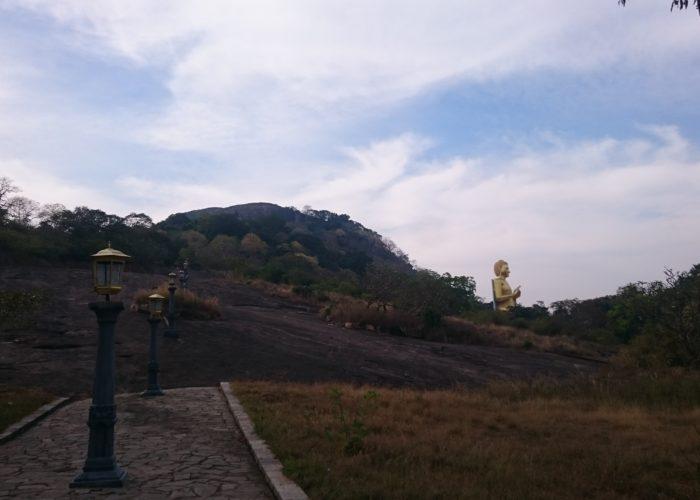 Dambulla gold cave temple