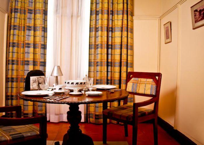 Grand Oriental Hotel room