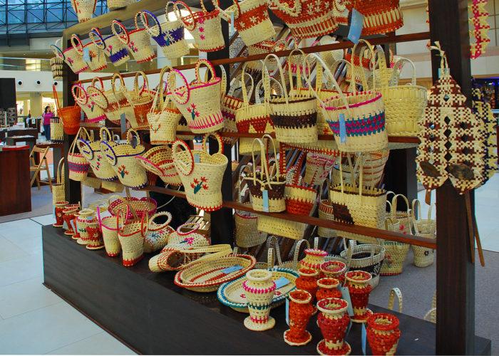 Lakpahana crafts Colombo
