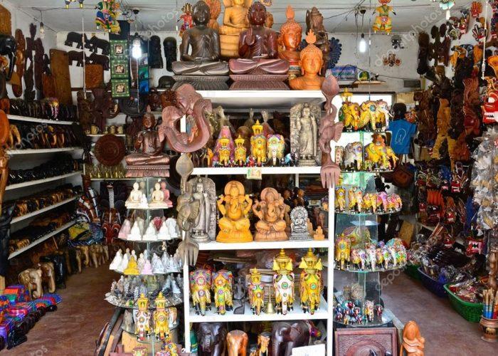 Lakpahana crafts shop