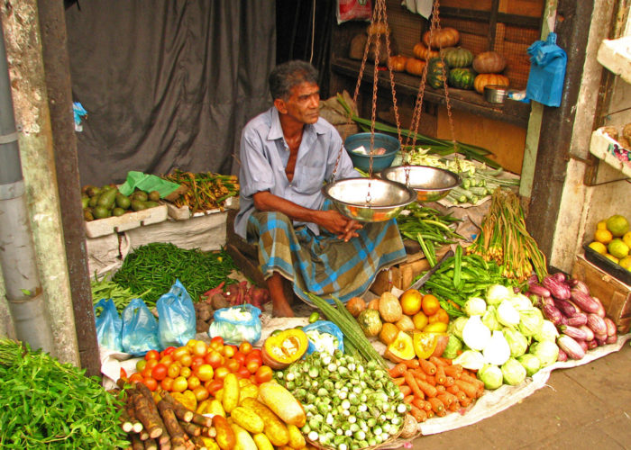 Pettah market colombo on the map how to get on sri for Pettah market colombo