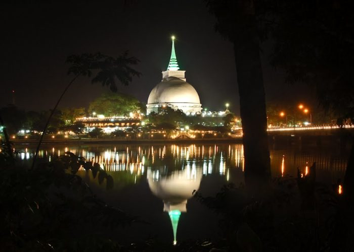Kalutara Bodhiya stupa night