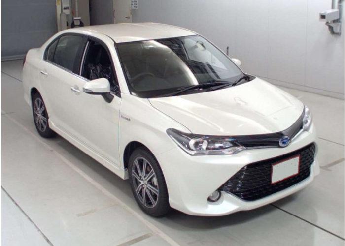 Rent Toyota Axio Savinta